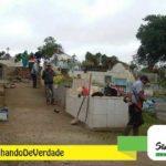 Equipe de obras executando manutenção e limpeza do Cemitério Municipal